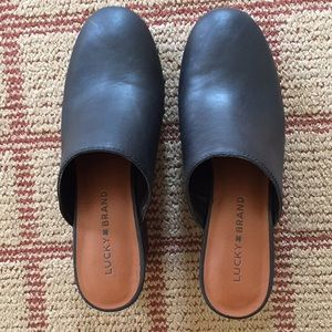 Lucky brand black leather studded clogs